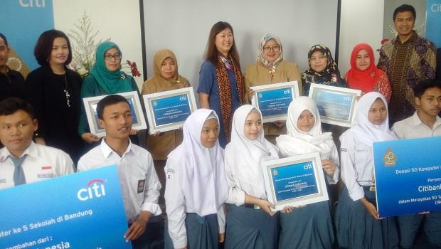 Citi Indonesia Donasikan 50 Komputer untuk Sekolah di Wilayah Bandung