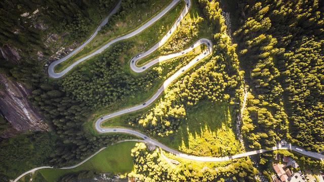 Serpentinen beim Bikerennen