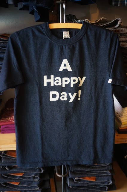 UES A HAPPY DAY インディゴTシャツ