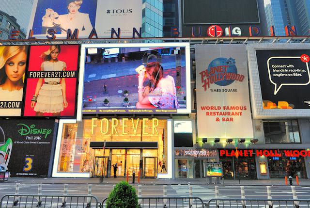 Compras na Times Square em Nova York