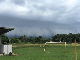 Fenomena Shelf Cloud - Awan ombak besar melanda Sabah 3