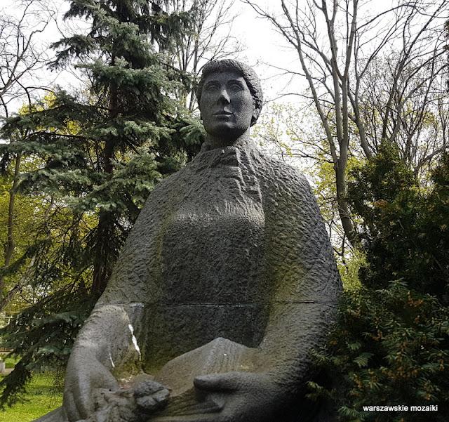 Warszawa Warsaw rzeźba Maria Konopnicka Stefan Kulon 1966 dzieci z Kalisza