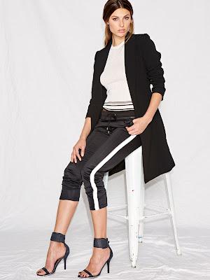 Foto outfit Guess pantalone della tuta nero