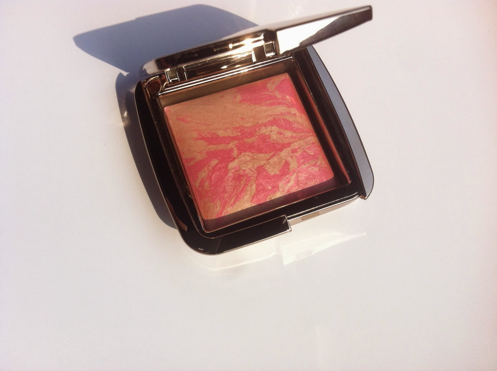 Hourglass Ambient Lighting Blush Luminous Flush, blush corallo, blush luminoso