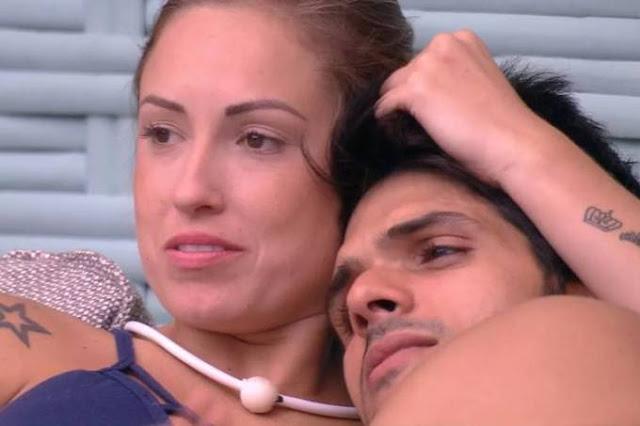 """BBB18: """"Ana Lúcia continua noiva do meu filho"""", diz mãe de Lucas"""