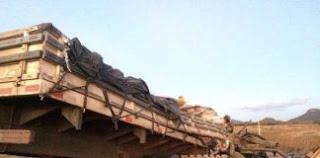 Grave acidente entre dois caminhões, deixa 3 mortos e vários feridos