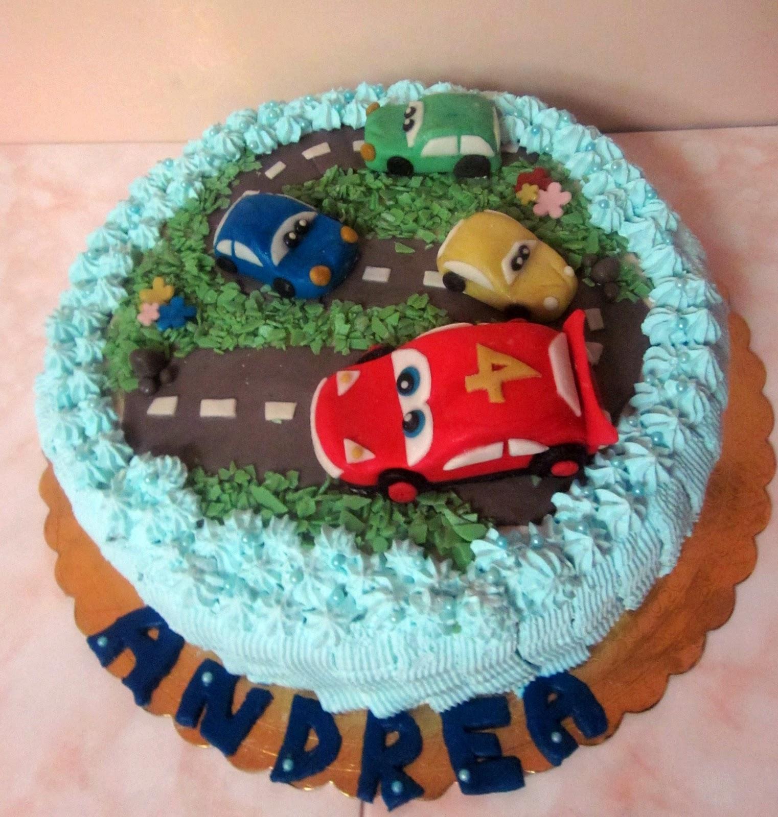 La pasticceria di gloria torta decorata ispirata a cars