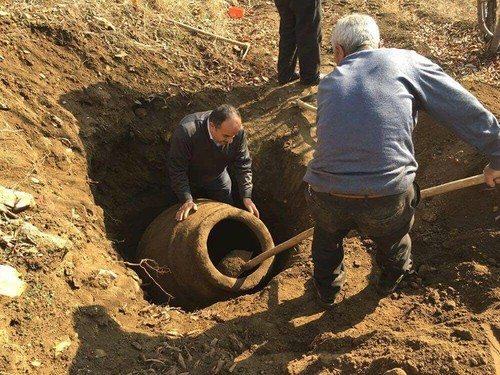 Farmer discovers 2,000 year-old terracota jar in Turkey's Malatya province
