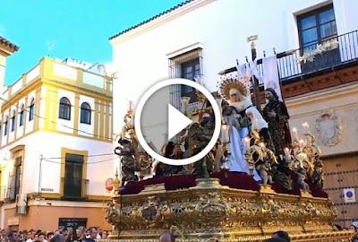 Sagrada Mortaja revira a calle Feria en la Semana Santa de Sevilla 2017 en su salida procesional del Viernes Santo pasando por San Juan de la Palma sede de la Hermandad de la Amargura