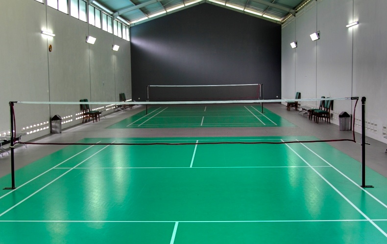 Prat buzz by prateek m for Indoor badminton court height