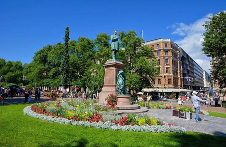 Finlandiya  Helsinki şehir merkezindeki Esplanadi Parkı