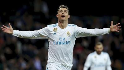 ريال مدريد يستعيد توازنه بخماسية في ريال سويسداد