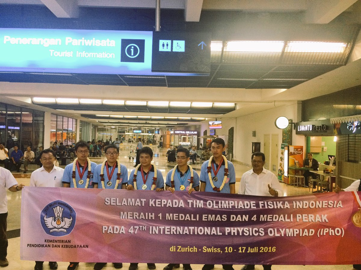 Pelajar Indonesia Raih 1 Medali Emas Dan 4 Medali Perak Dalam Ipho (International Physics Olympiad) 2016