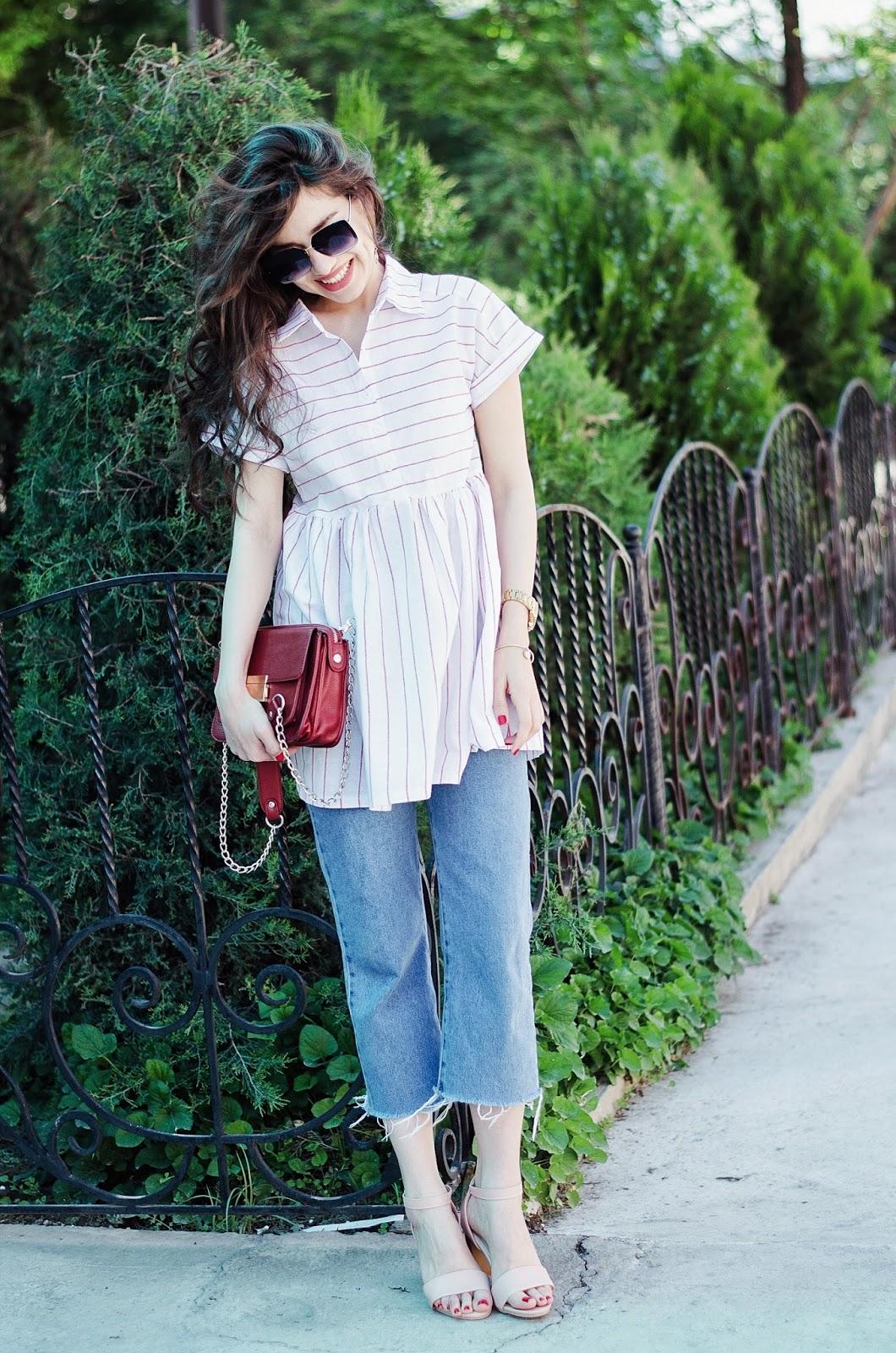 fashion blogger diyorasnotes diyora beta dress and jeans ripped jeans heels sandals pink striped top