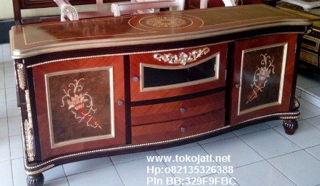 Jual Mebel Jepara,Toko Mebel Jati klasik,Furniture Mebel Jepara code mebel ukir jepara A1159 tv kabinet klasik italia ukiran jepara,FURNITURE UKIR JEPARA|FURNITURE JATI JEPARA|FURNITURE DUCO JEPARA|FURNITURE KLASIK JEPARA|FURNITURE UKIRAN JEPARA|FURNITURE JATI KLASIK|FURNITURE FRENCH STYLE|FURNITURE  CLASSIC EROPA|FURNITURE CLASSIC FRENCH JEPARA|FURNITURE JEPARA|FURNITURE UKIR JATI|FURNITURE  JEPARA TERBARU|FURNITURE JATI|FURNITURE CLASSIC|FURNITURE DUCO PUTIH MEWAH,FURNITURE KAMAR SET UKIRAN JATI KLASIK JEPARA|FURNITURE RUANG TAMU JATI KLASIK DUCO|FURNITURE DUCO PUTIH|FURNITURE KLASIK GOLD SILVER|FURNITURE JATI COKELAT|FURNITURE FRENCH PUTIH MEWAH|FURNITURE JATI UKIRAN JEPARA