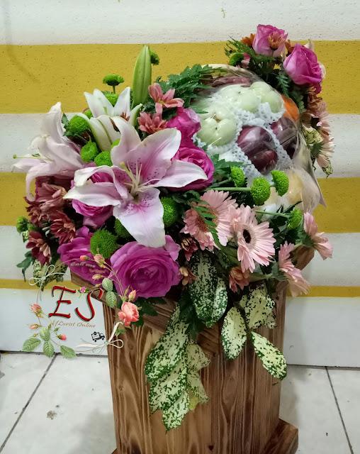 parcel bunga buah mix lily