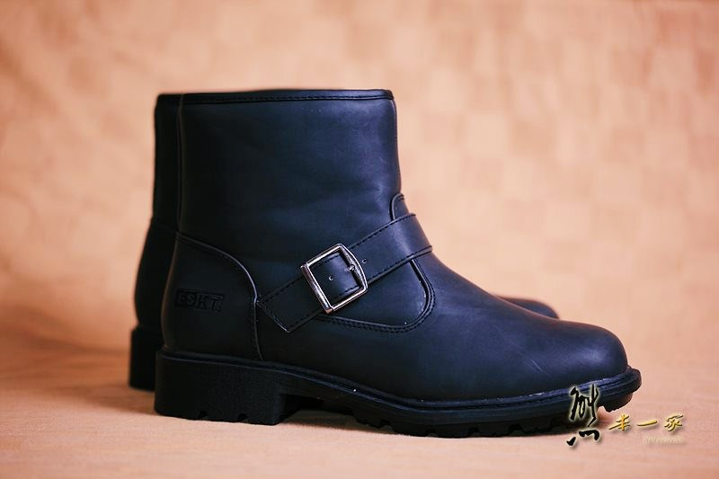 ESKT中高統專業雪鞋雪靴附冰爪