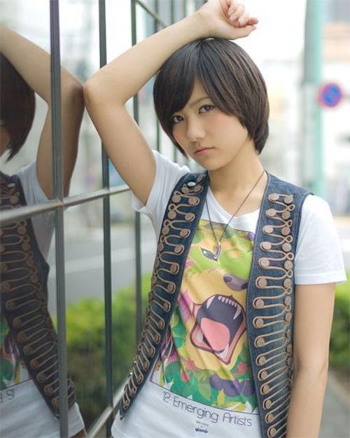 Trend Model Rambut Pendek Poni Untuk Wanita Terbaru