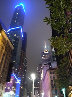 Tall building, lots of lights in New York City