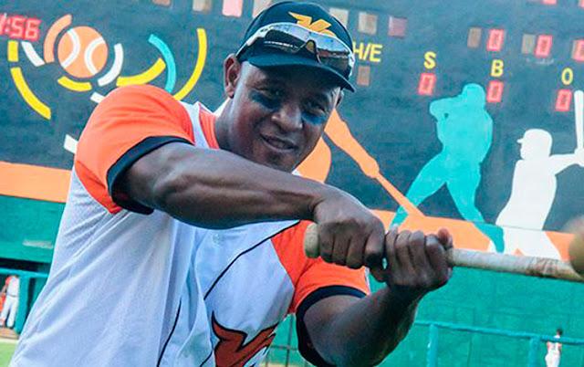 El veterano inicialista de la capital se convirtió en el jugador número 29 en completar la cifra de 300 tubeyes en Series Nacionales
