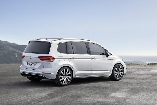 Hasil gambar untuk Volkswagen Touran 2017