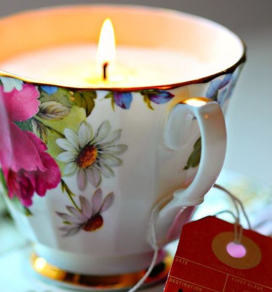 100+  Ιδέες για Xειροποίητα κεριά σε Δοχεία