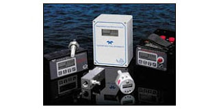 Trace moisture analyzer instruments