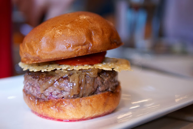 burgers, West Coast, East Coast, NYC, restaurant review, Umami Burger