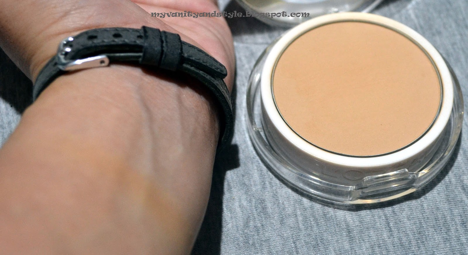 myVanityandStyle: Loreal Paris Mat Magique BB Veil in G2 - Golden Ivory