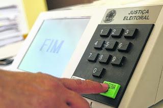 http://vnoticia.com.br/noticia/3034-tse-registra-mais-de-23-mil-candidatos-as-eleicoes-de-outubro
