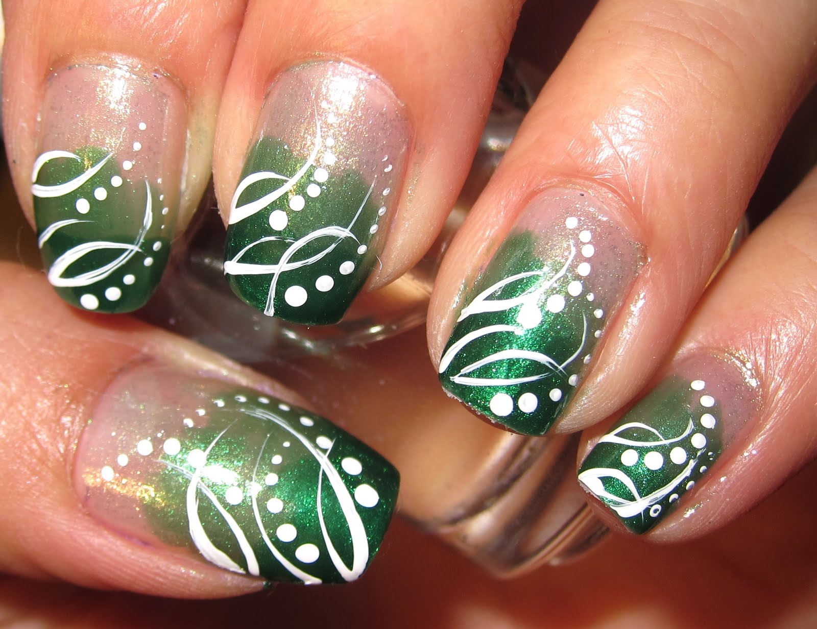 anny-simplichic: Simple Green Gradient Nails with the ...