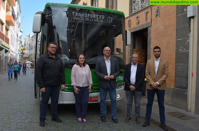 El Cabildo presenta la nueva imagen del servicio de transporte público en guagua y el plan de incorporación de vehículos