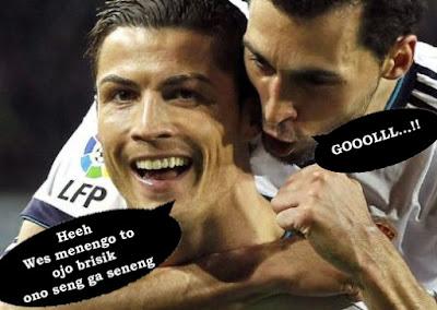 foto gokil pertandingan sepak bola