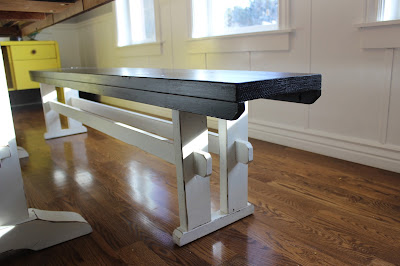 DIY Farmhouse bench with two crossbeams
