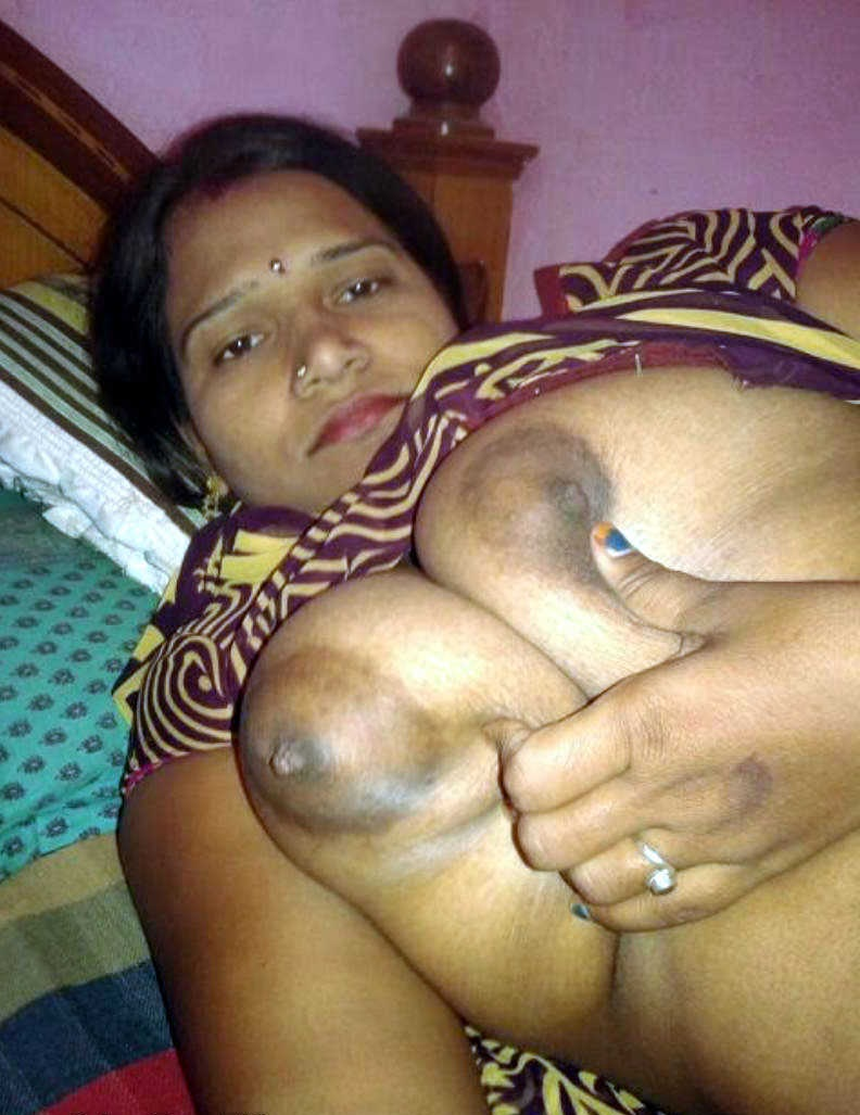 Indian Aunty Big Boobs In Saree