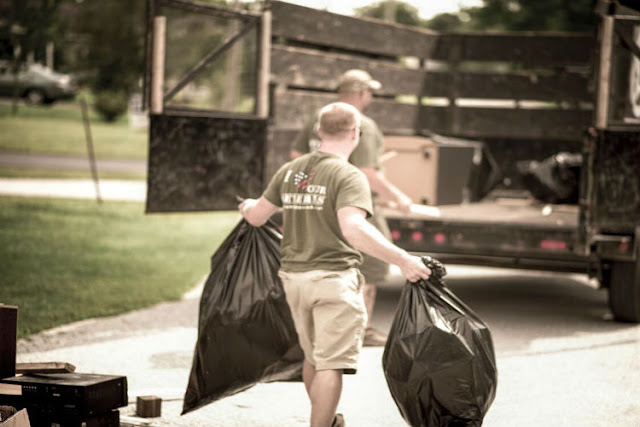 4 Reasons Why People Love Junk Removal Services