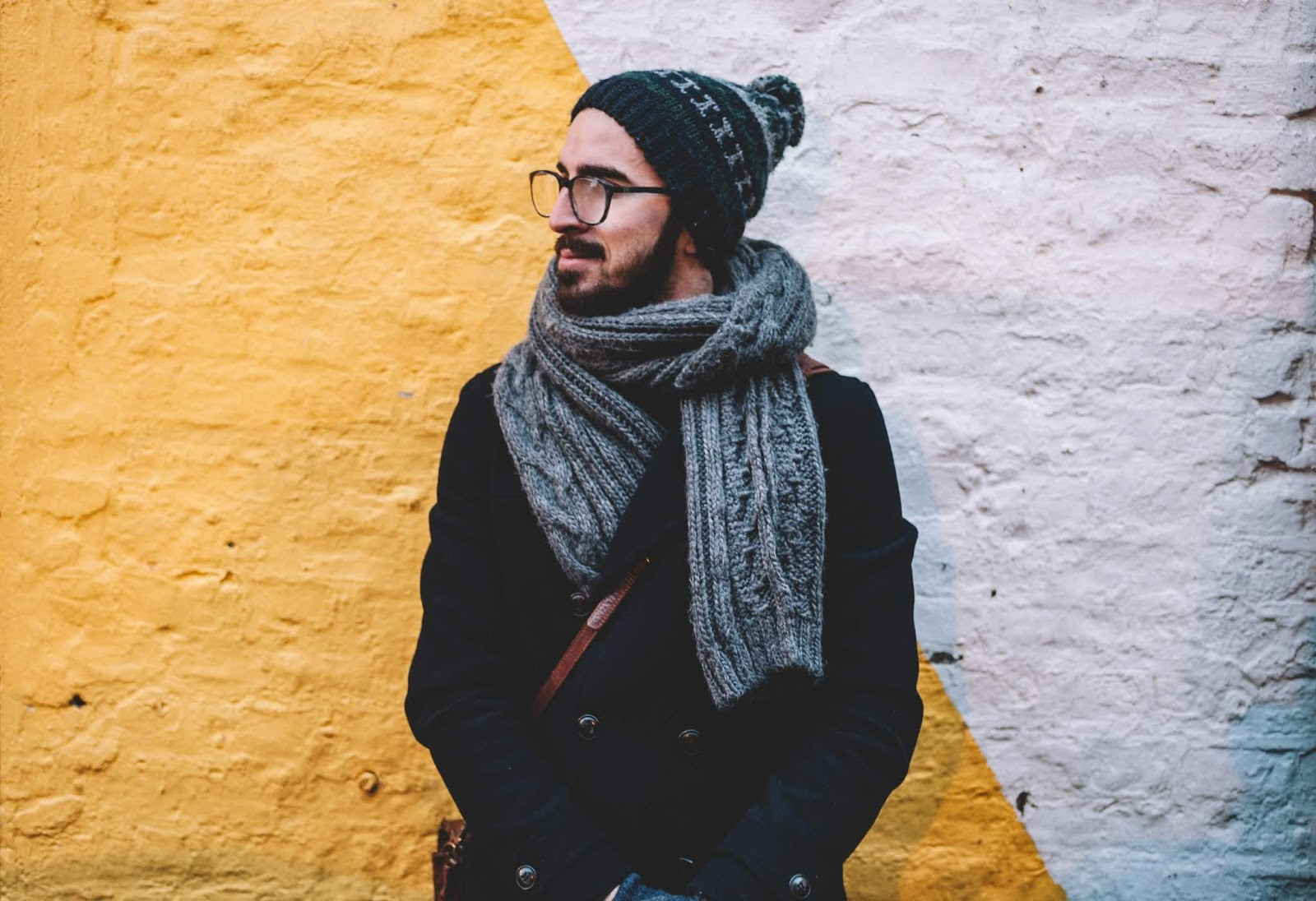 fashion beauty blogger hunting gear outfit ideas pictures man wearing stylish scarf and glasses