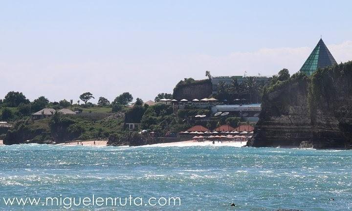 Dreamland-desde-Bingin-Beach