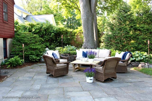 outdoor paver patio