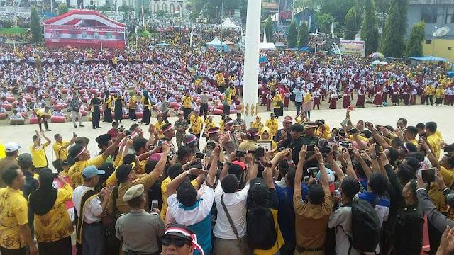 Pagelaran Oni Oni To Riolo, Ribuan Pelajar di Soppeng Pecahkan Rekor Dunia