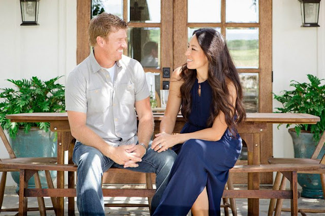 fans of the popular hgtv show u201cfixer upperu201d will soon be able to get an extra dose of design tips a new spinoff series called u201cfixer upper behind the - Hgtv Shows Fixer Upper