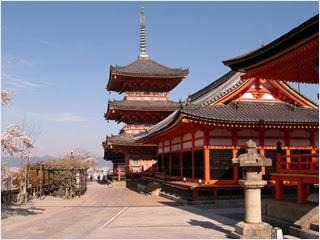 วัดคิโยมึซึเดระ (Kiyomizudera Temple)