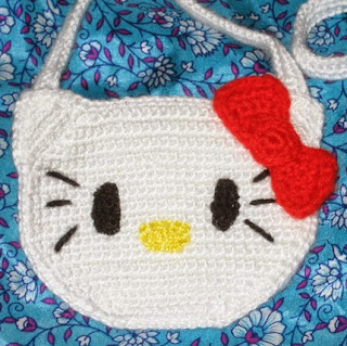 http://ainoslabores.blogspot.de/2013/07/hello-kitty.html#more