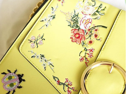Gift Guide Ideas for a Yellow Lover!