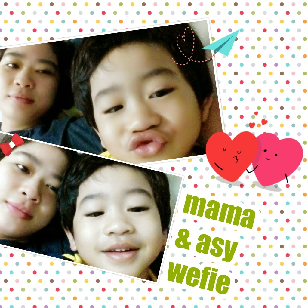Mama and baby asy wefie
