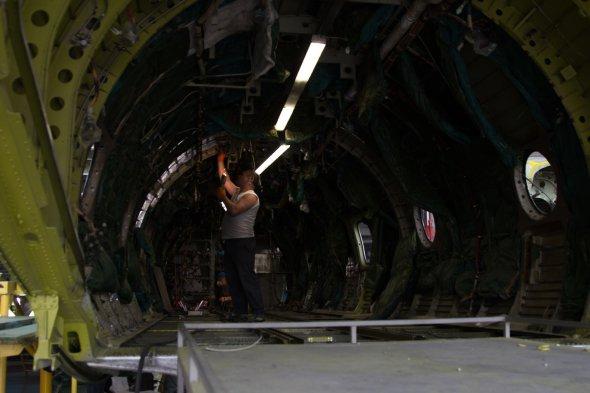 Робота для романтиків: як дають нове життя українським літакам