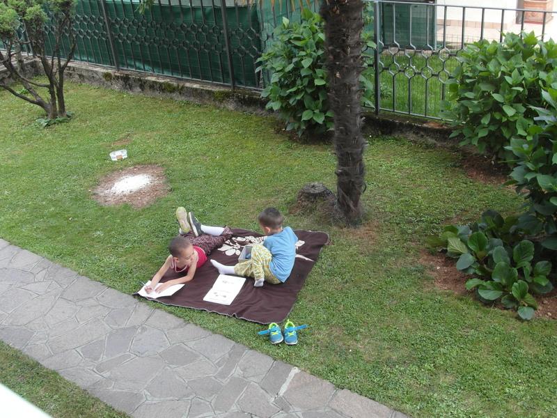 La scuola naturale disegnare in giardino for Disegnare un giardino