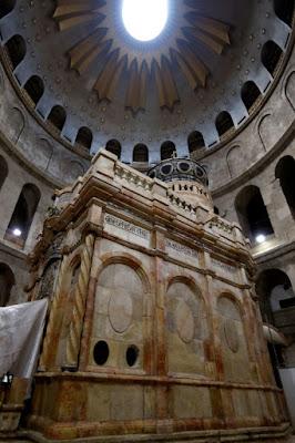 Le tombeau du Christ dévoile ses nouvelles couleurs à Jérusalem dans - CULTURE a12