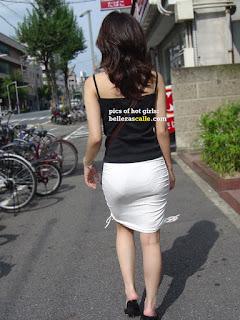 chica-falda-transparente
