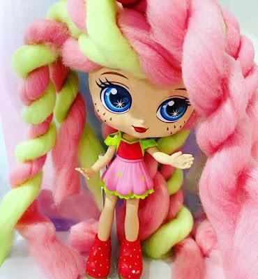 Кукла клубничка Candylocks